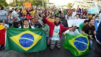 Brésil: des manifs contre le Mondial 2014 pour «un pays plus juste».