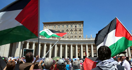 Drapeaux à l'Onu: le Vatican se démarque de la Palestine