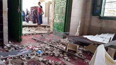 Les forces israéliennes envahissent de nouveau la mosquée d'al-Aqsa