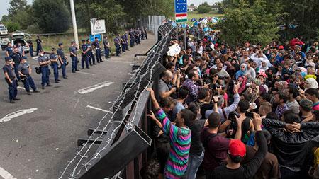Migrants: affrontements en Hongrie, les eurodéputés avec la répartition de 120.000 réfugiés dans l'UE