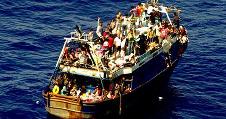 Qu'est ce qui se cache derrière les menaces européennes de bombarder les barques des migrants?