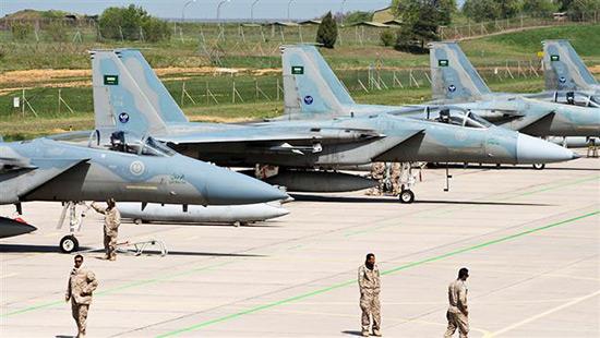 122 officiers israéliens et américains dans une base militaire en Arabie saoudite.