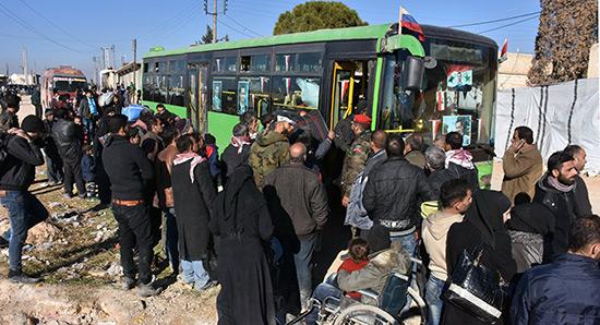 Des terroristes empêchent les civils de fuir Alep-Est, selon l'ONU.