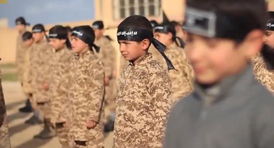 «Daech» endoctrine des enfants pour planifier des attaques contre l'Occident.