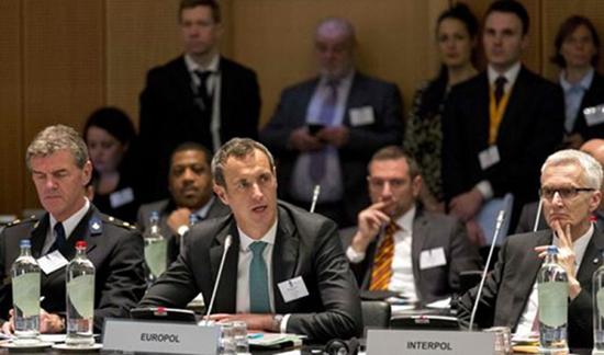 Europol: des terroristes stockeraient leurs explosifs dans l'UE pour de futurs attentats