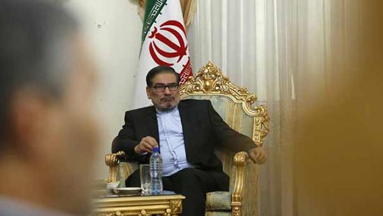 Shamkhani: Certains pays opponent au gouvernement légitime en Syrie, alors qu'ils n'autorisent ni élections, ni parlement