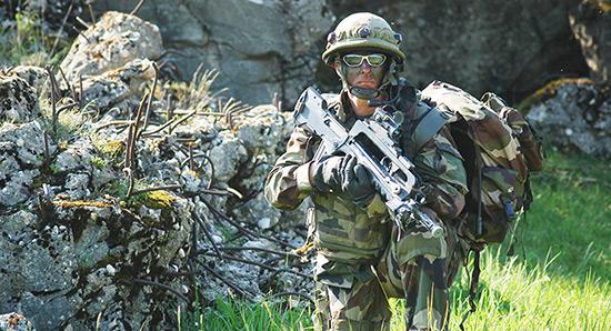 L'Armée française sera armée par l'Allemagne.