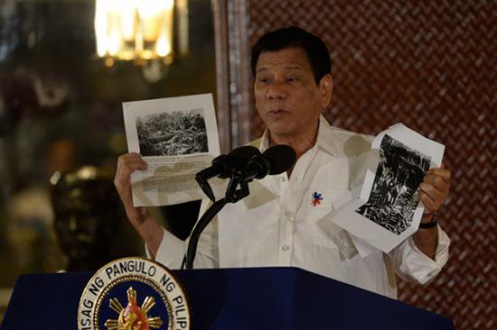 Philippines: le président exige le départ des militaires américains.