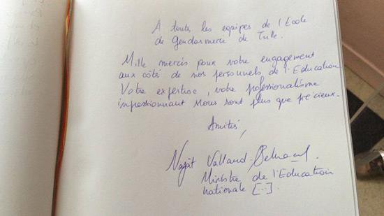 Zéro en orthographe pour la ministre de l'Éducation en France.