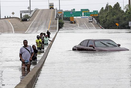 Texas aux victimes des ouragans: Pour obtenir l'aide, ne boycottez pas «Israël».