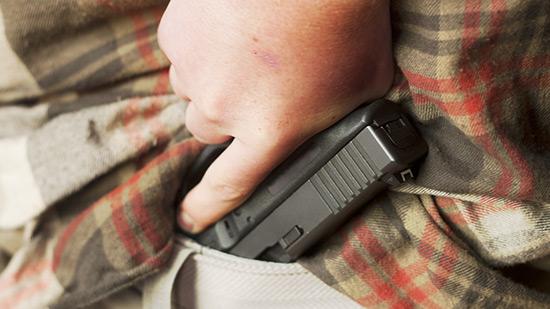 Trois millions d'Américains portent une arme chargée chaque jour
