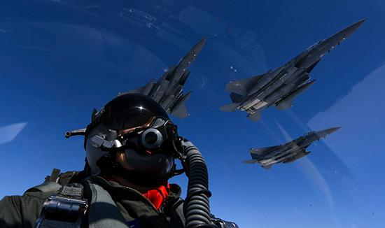 Péninsule coréenne: démonstration de force de bombardiers US, Moscou et Pékin haussent le ton.