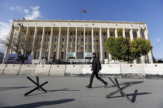 «Une prison géante» : comment les sanctions affectent les citoyens syriens ?