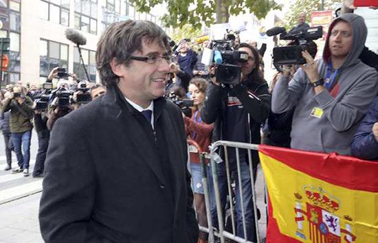 L'Espagne retire le mandat d'arrêt européen contre Puigdemont.