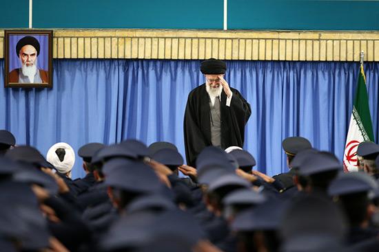 Trump révèle le «vrai visage des Etats-Unis», selon sayed Khamenei.
