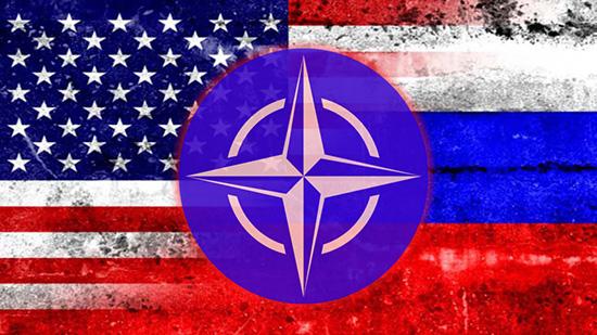 La perception du rôle des USA dans la sécurité globale semble changer. Un sondage Gallup révèle que les citoyens de quatre pays membres de l'Otan préféreraient s'allier avec la Russie si leur pays était attaqué. Entre octobre et décembre 2016, l'institut américain de sondages Gallup a demandé à environ 1 000 personnes dans 66 pays quel serait leur meilleur allié si leur pays était attaqué. Alors que la puissance militaire des Etats-Unis était le premier choix de la plupart de personnes interrogées, en Grèce, en Turquie, en Bulgarie et en Slovénie, tous membres de l'OTAN, la majorité des personnes interrogées ont choisi la Russie. Les autres pays qui ont préféré la protection de Moscou à celle de Washington étaient la Chine, l'Iran et la Serbie. Des Russes ont eux-mêmes choisi la Chine comme allié principal, tandis que les Américains ont voté pour le Royaume-Uni. Les populations d'Irak, de Bosnie et d'Ukraine, pays connaissant des conflits ethniques, religieux ou politiques, sont divisées entre la Russie et les Etats-Unis. Selon le vice-président de WIN/Gallup International, Kancho Stoychev, ceci montre que la politique menée par Washington au cours de ces 20 dernières années a conduit au rapprochement entre Moscou et Pékin. Les résultats de ce sondage ont été publiés au moment où se tient à Munich la Conférence annuelle sur la sécurité, à laquelle participent de nombreux hommes politiques des pays-membres de l'OTAN. Source : agences et rédaction