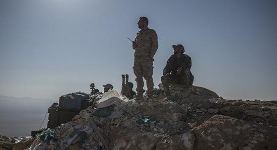 L'armée syrienne reprend le contrôle d'une hauteur stratégique près de Deir ez-Zor.