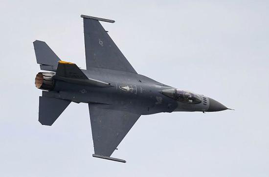 Les États-Unis approuvent la vente de 19 avions de combat à Bahreïn