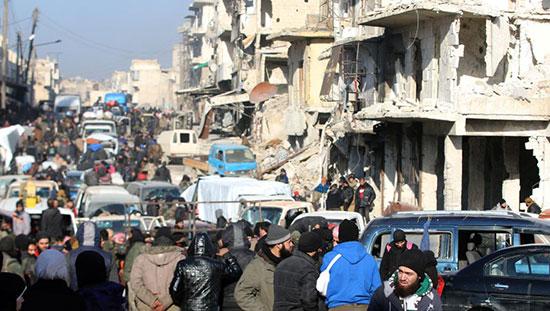 Syrie: 400 membres armés et leurs familles évacués de Homs
