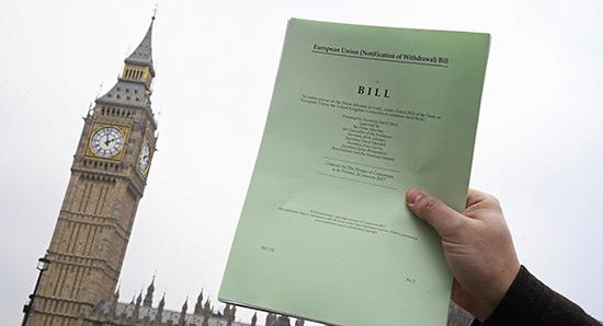 GB: le Parlement donne son accord final au déclenchement du Brexit.