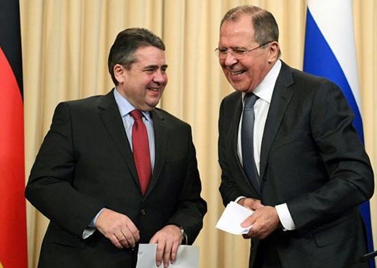 Lavrov ne prend pas son portable lors de négociations «sensibles» pour déjouer la CIA