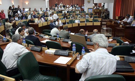 «Israël» arrête une députée du Hamas, membre du Parlement palestinien