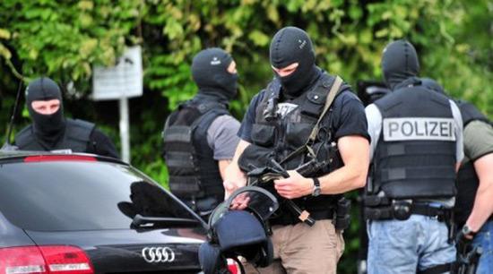 Allemagne: arrestation de trois suspects de projet d'attentat.