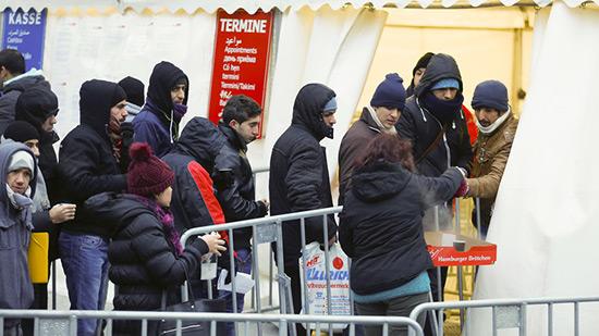 UE: protection accordée à plus de 700.000 demandeurs d'asile en 2016.