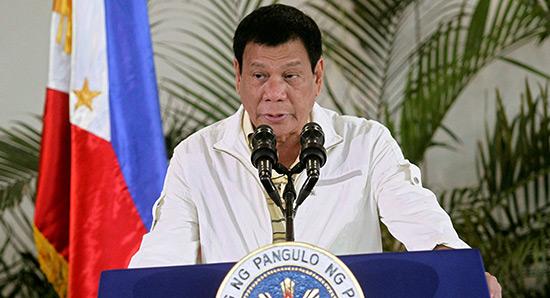 Philippines: Duterte ordonne l'occupation d'îlots disputés en mer de Chine.