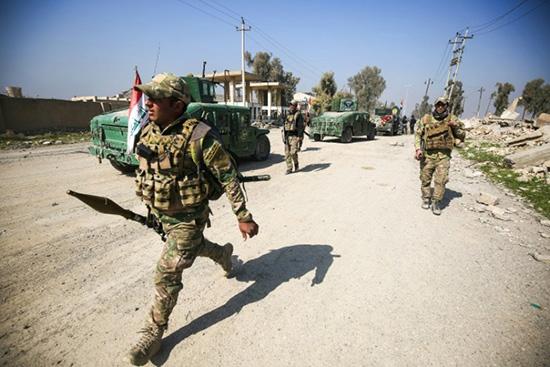 Les forces irakiennes déjouent un double attentat suicide à la frontière syrienne