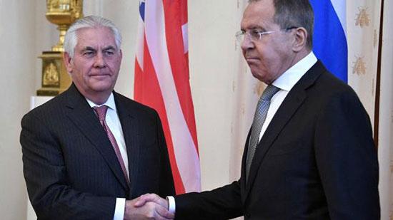 Lavrov à Tillerson: ne nous placez pas devant le faux choix «avec ou contre nous»