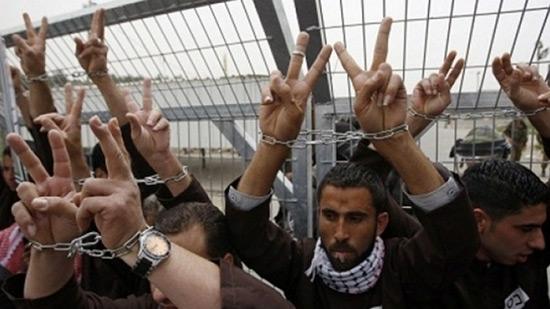 Grève de la faim de prisonniers palestiniens: la Ligue arabe en appelle à la Croix-Rouge.