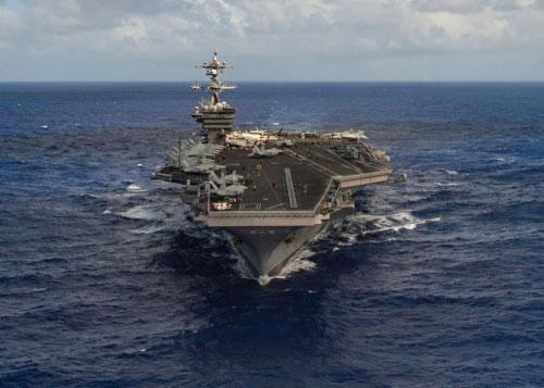 Corée du nord: des navires russes et chinois surveillent l'USS Carl Vinson