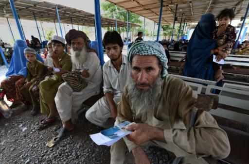 Le Pakistan reprend le rapatriement controversé de réfugiés afghans