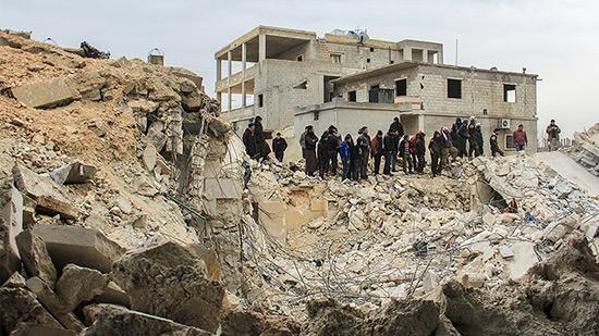 HRW accuse Washington de négliger les civils après un raid aérien meurtrier en Syrie.