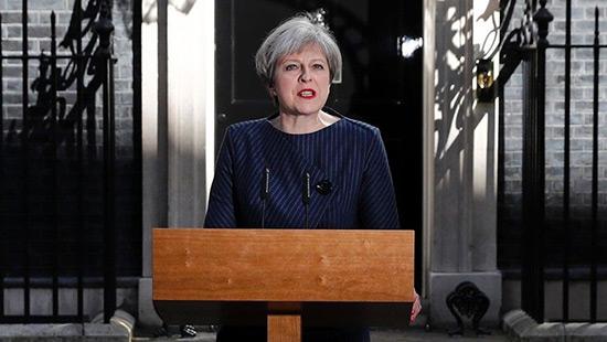 GB: Theresa May appelle à des législatives anticipées.