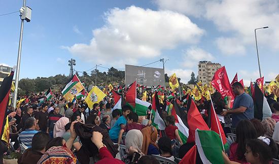 Des milliers de Palestiniens manifestent pour soutenir les prisonniers en grève de la faim