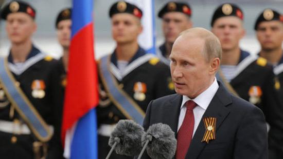 Poutine appelle le monde à s'unir contre le «terrorisme».
