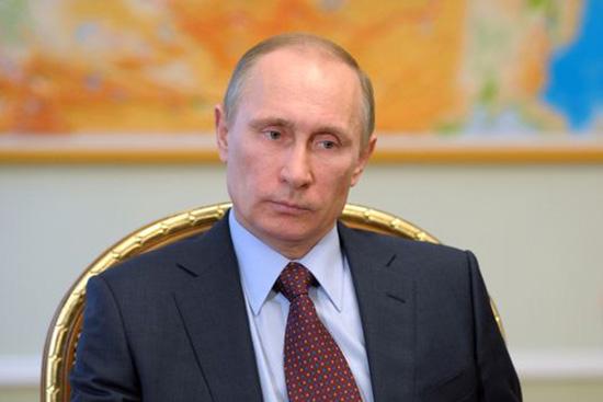 Poutine félicite Macron pour sa victoire à la présidentielle