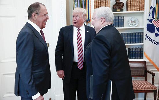 Trump a-t-il révélé des  informations classifiées à Lavrov?
