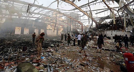 Malgré les frappes saoudiennes au Yémen, Trump autorise la vente de bombes guidées à Riyad.