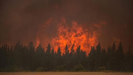 Incendies au Canada: 37.000 personnes déplacées.