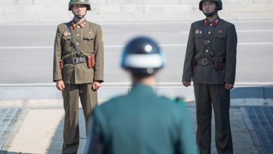 Séoul propose des discussions à Pyongyang pour réduire les tensions.