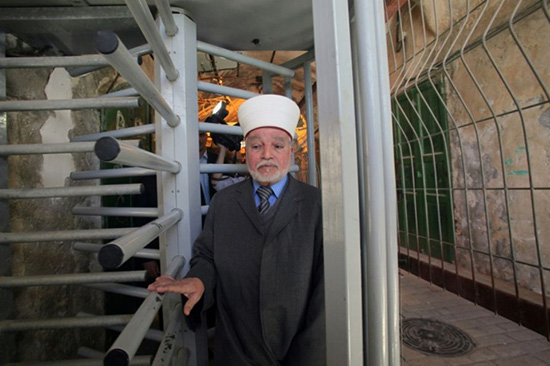 Le grand mufti d'Al-Qods brièvement interpellé par la police d'occupation
