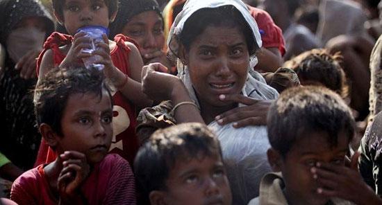 Des milliers de Rohingya bloqués à la frontière avec le Bangladesh