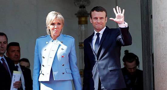 Plus de 153.000 signatures contre le statut de première Dame pour Brigitte Macron.