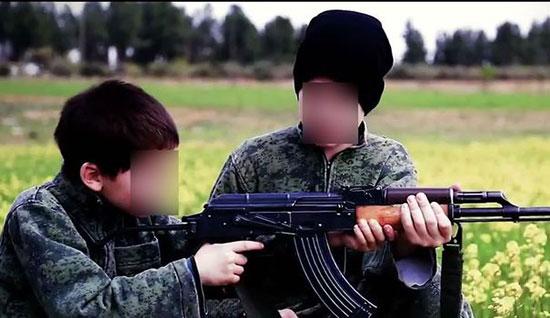 La moitié des mineurs français présents en Syrie et en Irak ont moins de cinq ans