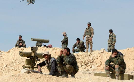 Syrie: l'armée progresse dans le désert et coupe «Daech» de la Jordanie.