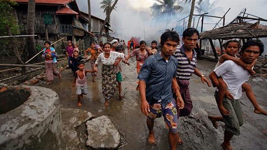 Birmanie: Des centaines de Rohingyas tués en une semaine