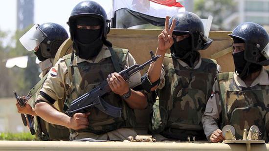Égypte: l'armée poursuit son offensive dans le Sinaï, «Daech» menace de riposter